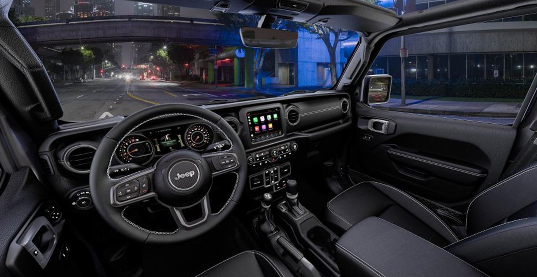 https://www.jeep-russia.ru/content/dam/jeep/crossmarket/WranglerJL/interior/1450x750_Sahara2.jpg