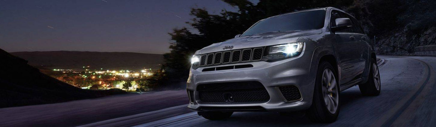https://www.jeep-russia.ru/content/dam/jeep/crossmarket/model/grand-cherokee/grand-cherokee-my19/overview/exterior/A Ext 1450x423.jpg